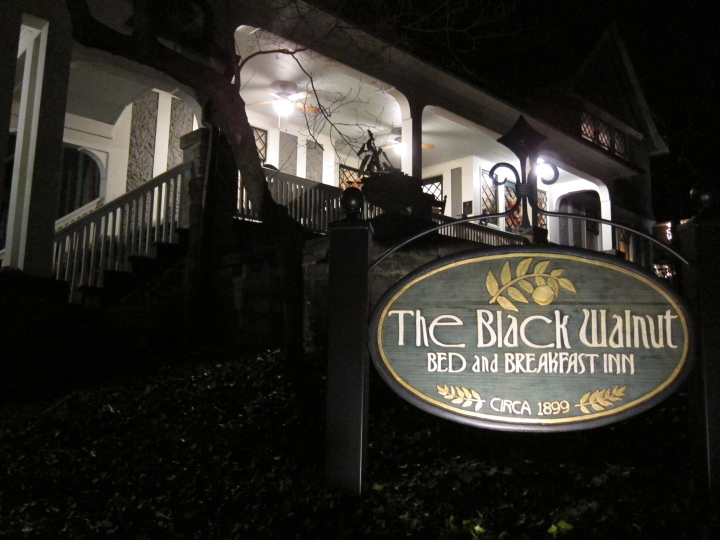 The Black Walnut Inn - in the dark