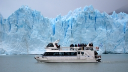Perito Moreno - catamaran excursion