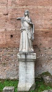 Vestal Virgin @ Fora Roma