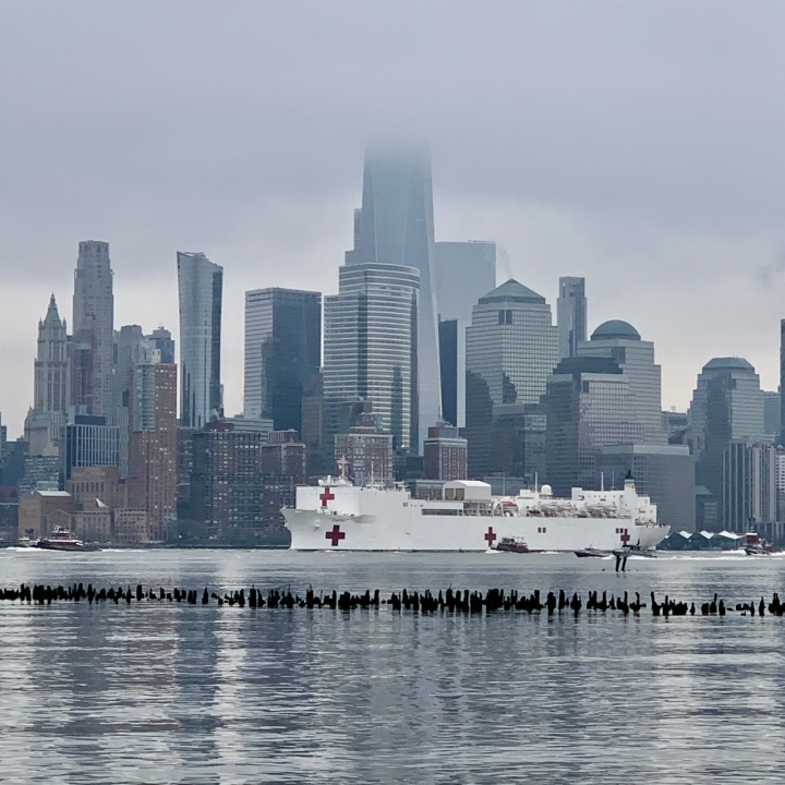 USNS Comfort arrives in NYC